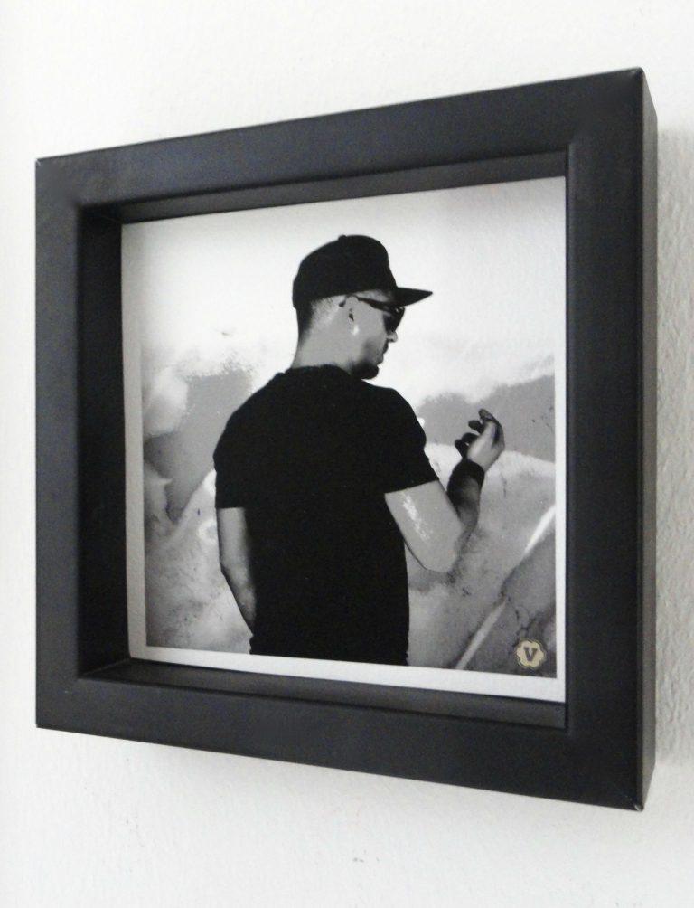 Babo  (FineArt-Druck auf Künstlerpapier, Echtholzrahmen, 14x14 (11x11))